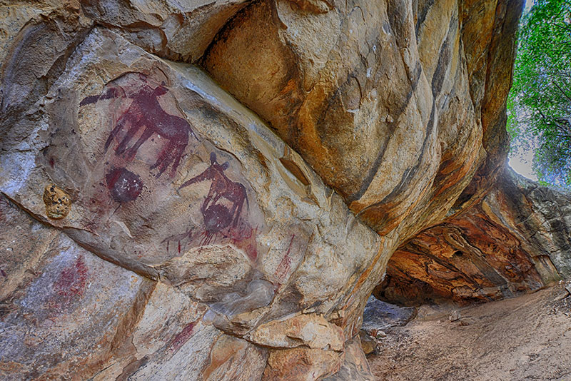 rock art at awelani lodge caves