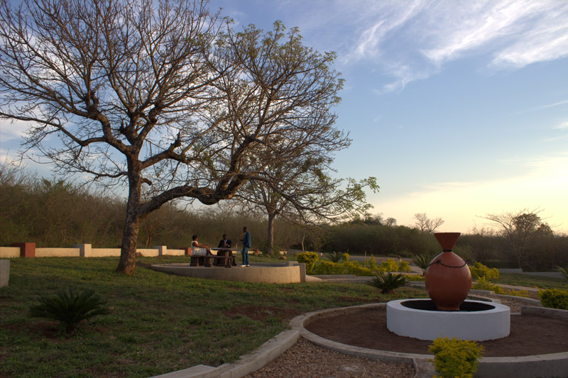 Place-for-sundowners-in-the-gardens
